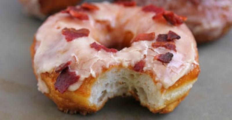 maple-bacon-doughnut-3-1024x682
